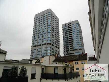 ToFa: top sanierte Anlage mit Balkon/Duplex und Blick auf die Bonifaziustürme - frei!