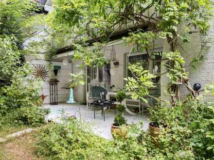 Großzügige Doppelhaushälfte in Seenähe mit schön eingewachsenem Garten in Süd-West-Ausrichtung