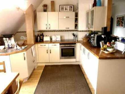 Schöne 3-Zimmer-Wohnung mit ausgebauten Spitzboden in ländlicher Umgebung