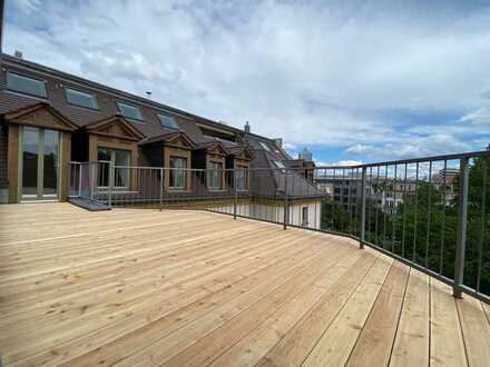 3 Zimmer Dachgeschosswohnung mit großer Dachterrasse in einem herrschaftlichen Mehrfamilienhaus