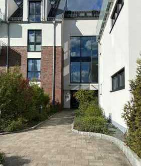 Exklusive 2-Zimmer Wohnung mit Terrasse, EBK und TG-Platz in Wedel