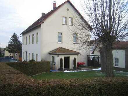 Mehrgenerationenhaus mit großem Grundstück - idyllisch gelegen