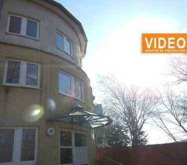 Moderne Wohnung in Stadtvilla mit großem Balkon
