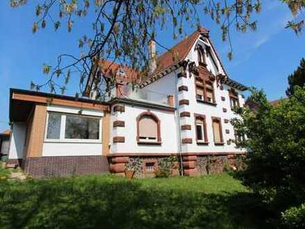 Wunderschöne, sanierte Jugendstilvilla mit großen Garten - Geeignet als Wohn- und Geschäftshaus