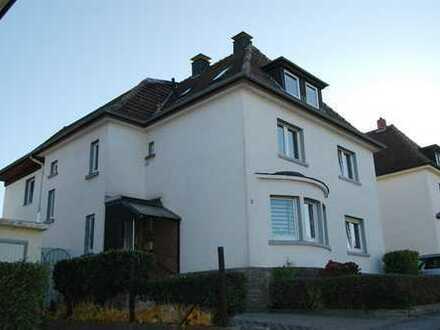 Schönes 2-3 Familienhaus! 287m² Wohnfläche, aktuell 3 Wohnungen! 1038m² Grundstück! Baujahr 1936!