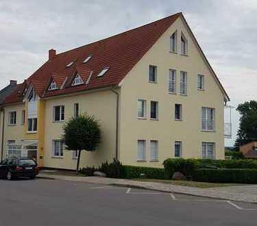 2-Z-Wohnung mit großem Balkon, Keller, Carport