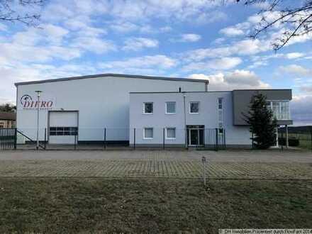 3000 m² Warmhalle mit Bürokomplex und Freifläche in der Nähe von Eisenhüttenstadt