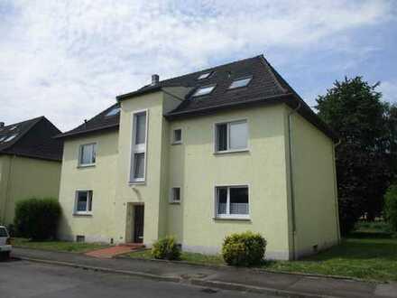Super gemütliche (ausgefallene) 3 Zimmer im 2. OG (DG) mit Balkon, Schwerte-Westhofen