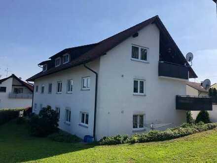 Vermietete 3-Zimmer-Wohnung im EG mit ca. 95 m² Wfl., großer Terrasse u. Garage in Ortsrandlage