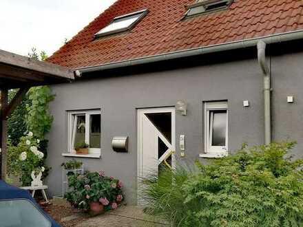 Großzügiges Attraktives Reiheneckhaus in Heilbronn/Kirchhausen mit großem Garten und langem Carport
