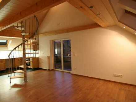 Tolle 2 Zimmerwohnung mit Galerie und Balkon