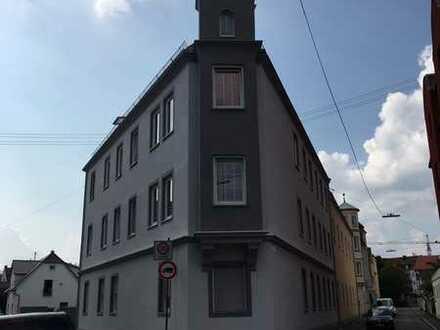 Exklusive, modernisierte 4-Zimmer-EG-Wohnung mit EBK in Augsburg
