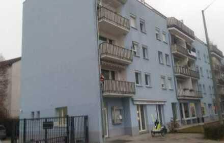 Stilvolle 3-Zimmer-Wohnung mit Balkon und Einbauküche in Frankfurt am Main