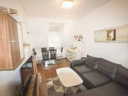 Stilvolle, sanierte 2-Zimmer-DG-Wohnung mit EBK in Karlsruhe Zentral auch für WG