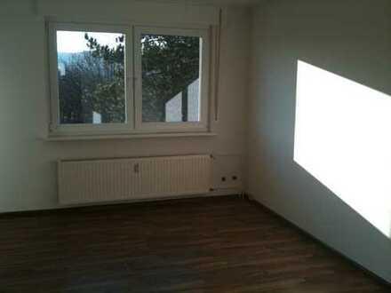 Helle und gut geschnittene 2-Zimmer Wohnung mit herrlicher Aussicht