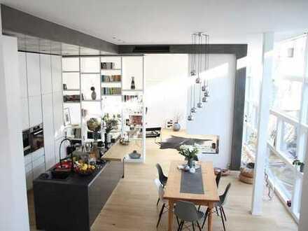 Designer-Loft in Top-Lage / Privat-Aufzug, Gartenanteil, Klimaanlage