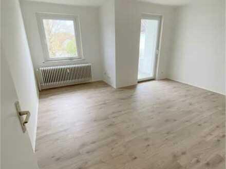 Geräumige, frisch sanierte 4 Zimmer, Küche, Bad, Balkon Wohnung zu vermieten