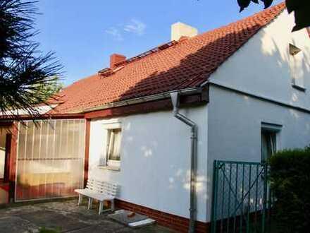 HORN IMMOBILIEN ++ Toller Obstgarten mit Haus in Brohm bei Friedland