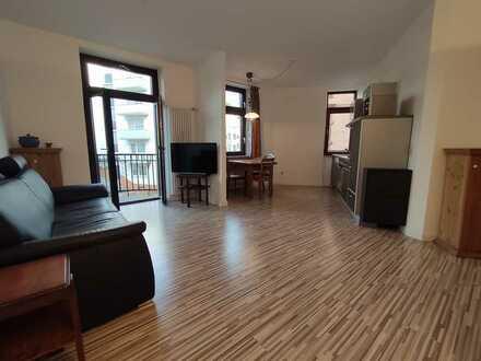Erstbezug nach Sanierung: ansprechende 2-Zimmer-Wohnung mit Einbauküche und Balkon in Mannheim