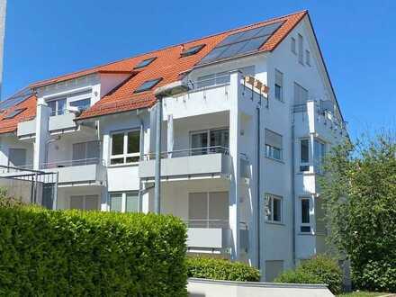 Stilvolle, neuwertige 2,5-Zimmer-Wohnung mit Balkon und Einbauküche in Stuttgart