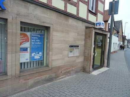 Büro oder Praxis auf 168 m² in Erlangen-Bruck