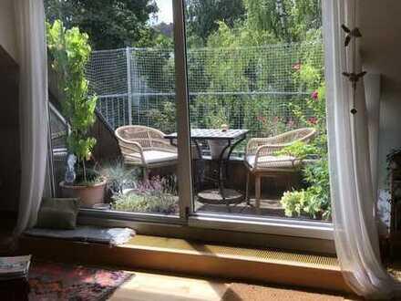 Schöne helle Wohnung mit Dachterrasse und kleinem Garten – provisionsfrei