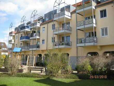Sonnige 3-Zi-DG-Wohnung mit 2 Balkonen und TG-Stellplatz zentral an der Murg
