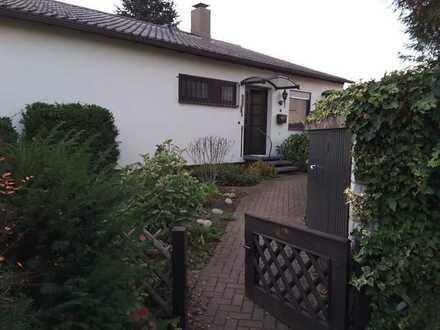 Attraktiver Bungalow mit viereinhalb Zimmern und EBK in Limburgerhof