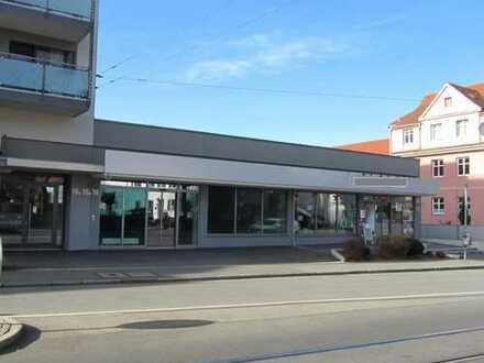 Helle Ladenflächen im Stadtteil Göggingen