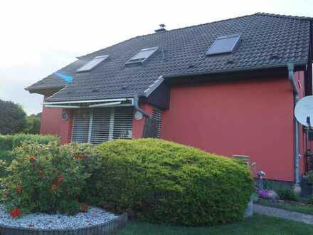 Gepflegtes EFH in Seenähe auf 900 m² Grundstück in ruhiger Wohnlage