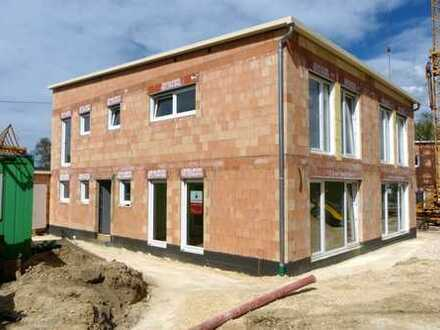 Moderne Doppelhaushälften im Bibertal