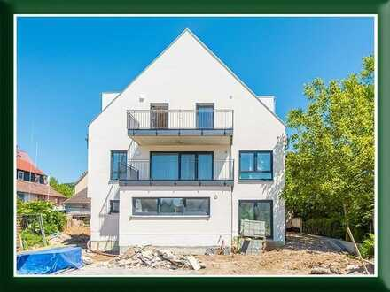 Modernes Haus im Haus mit sehr großzügigen Flächen und Höhen