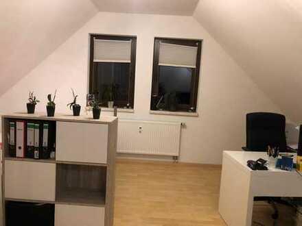 Modernisierte 2-Zimmer-Dachgeschosswohnung mit EBK in Ammerbuch