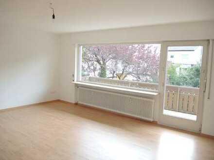 PF-Rodgebiet: Schöne 2-1/2 Zimmerwohnung mit Balkon in gehobener Wohnlage