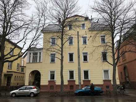 Einmalige Gelegenheit: Herrschaftliche 5-Zimmer-Wohnung am Kurpark zu vermieten!