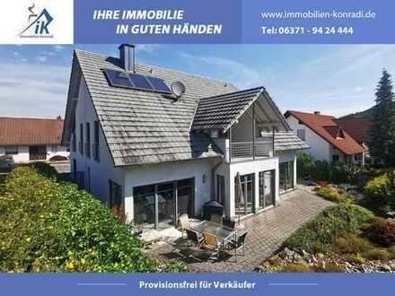 IK | Bechhofen: Traumhaftes Einfamilienhaus mit liebevoll gestalteter Gartenanlage