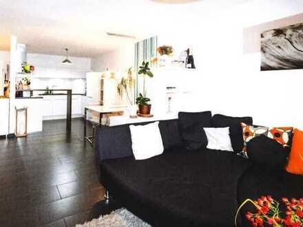 Neuwertige 2,5-Raum-Wohnung mit Balkon und Einbauküche in Wernau (Neckar)