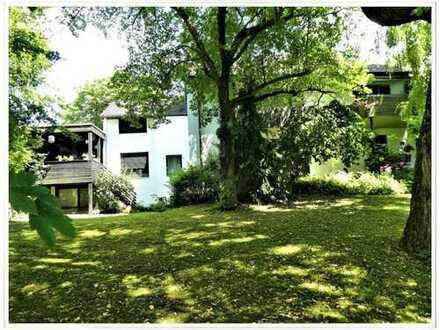 3-Familienhaus plus Anbaumöglichkeit oder Baugrundstück zur Neubebauung in Toplage von 82278 Alth...