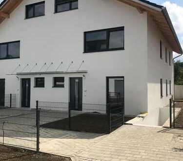 Schönes, geräumiges Haus mit sechs Zimmern in Kirchseeon