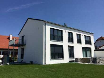 Erstbezug: ansprechende 2,5-Zimmer-Wohnung mit EBK und Balkon in Baar-Ebenhausen
