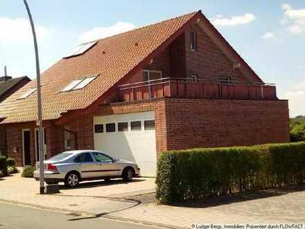 Große Maisonettewohnung in einem Zweifamilienhaus