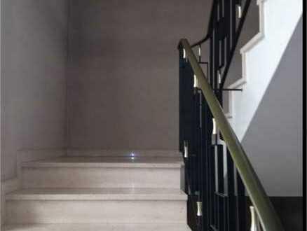 Großes Haus in gutem Zustand zum Umbauen, Sanieren und Aufteilen in schöner Wohnlage