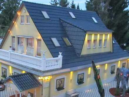 Haus für gewerbliche Zwecke mit 450qm Garten bzw Riesenterrasse auch zum Wohnen