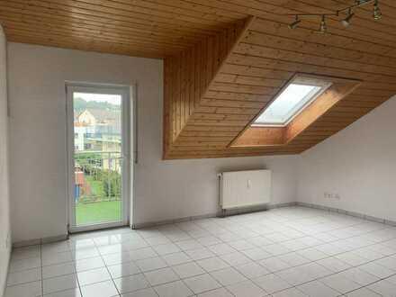 3 Zimmer Wohnung mit Tiefgarage u. Stellplatz und zwei Balkonen und Inkl. Einbauküche