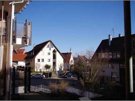 Helle 3,5 Wohnung mit Garage und EBK in Gebersheim, provisionfrei