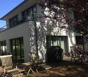 Schickes Einfamilienhaus in Wohldorf-Ohlstedt ab 01.08.2020 zu vermieten