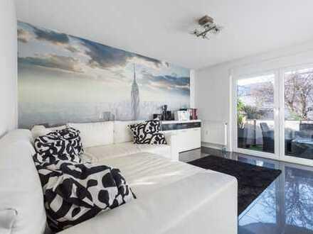 Provisionsfreie - Großzügig geschnittene Helle Zwei-Zimmer Wohnung in bester Lage
