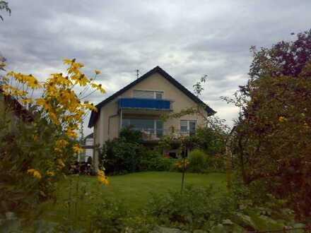 ** Sonnige 2-Zimmer-Wohnung mit großem Balkon und herrlichem Gartenblick**