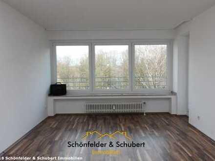 Nur mit WBS. Großzügige, gut aufgeteilte 2,5 Raum-Wohnung mit 2 Balkonen und Aufzug