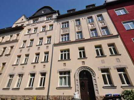 ***frisch renoviert*** 3-Raum Wohnung mit Balkon und Laminatfußboden